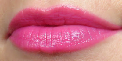 NYX Butter-Gloss Strawberry Cheesecake lesk na pery