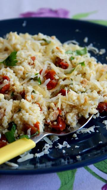 kasza jaglana,sałatka z kaszą jaglaną, kasza z tuńczykiem,proso,jagła,zkuchni do kuchni najlepszy blog kulinarny,dania z kaszy jaglanej,