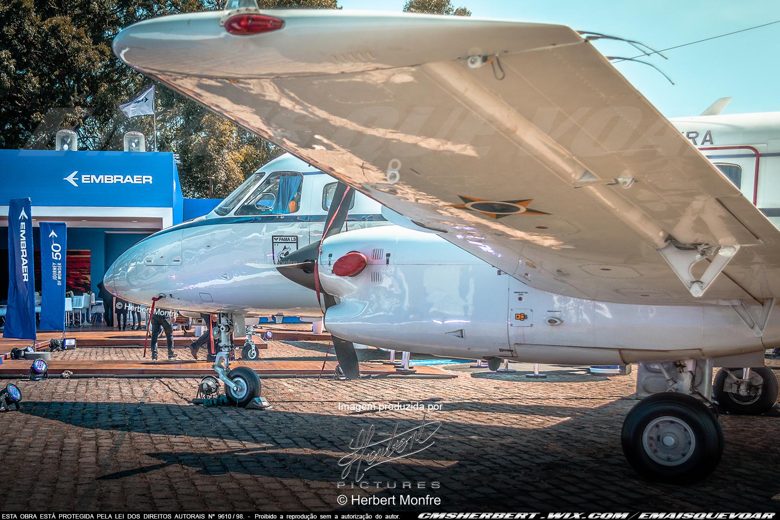 Embraer Bandeirante | FAB-2338 | Força Aérea Brasileira | Foto © Herbert Monfre - Contrate o fotógrafo em cmsherbert@hotmail.com | by É MAIS QUE VOAR | LABACE 2019