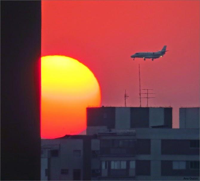 الشمس عند خط الأفق