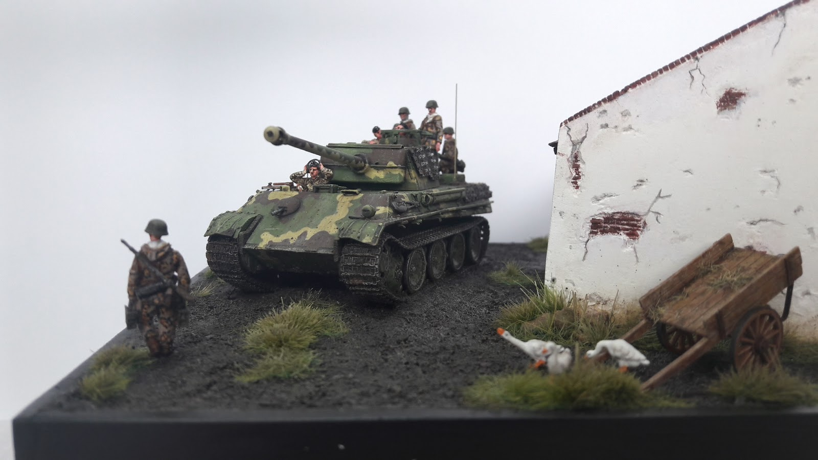 Hongrie 1945 diorama (Panther Ausf.G Late & Zundapp KS 750) - Page 7 20190610_122442_Richtone%2528HDR%2529