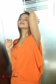 Actress Saloni Aswani Pos in Short Dress at Meelo Evaru Koteeswarudu Movie Interview  0246.JPG
