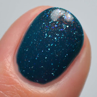 teal up shimmer nail polish