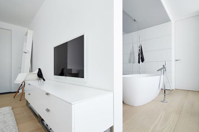 Bathroom Dolphin Tiles Design