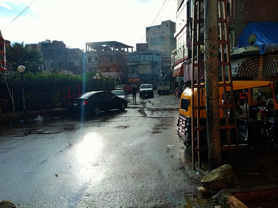 بالصور ..سقوط أمطار غزيرة على مركز كوم حماده