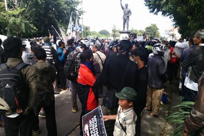 Ratusan Warga Solo Berdemo Tuntut Bubarkan Densus 88 Yang Asal Bunuh!