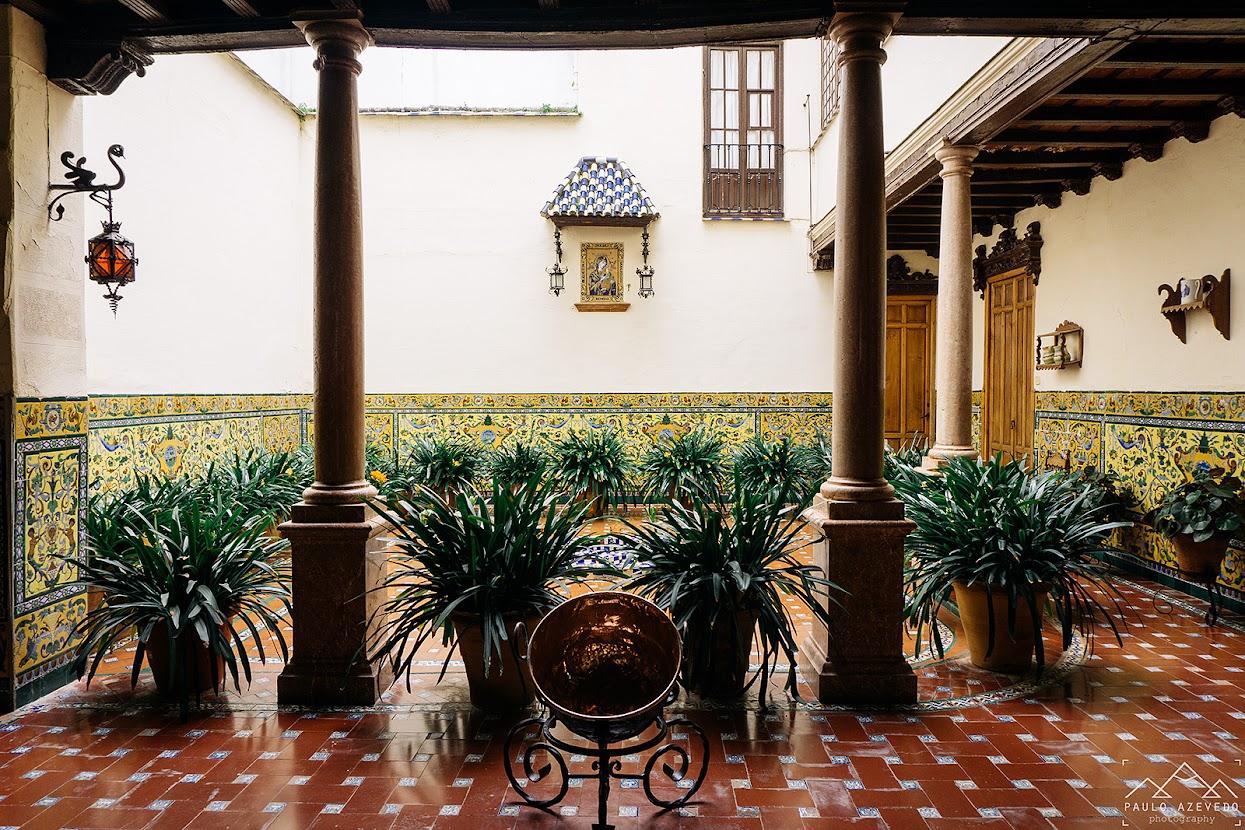 Um dos típicos pátios interiores da Andaluzia