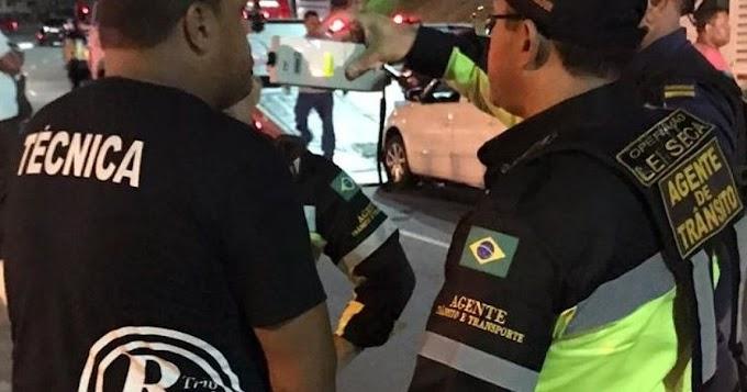 Agentes de trânsito flagram motoristas de trios alcoolizados em Salvador