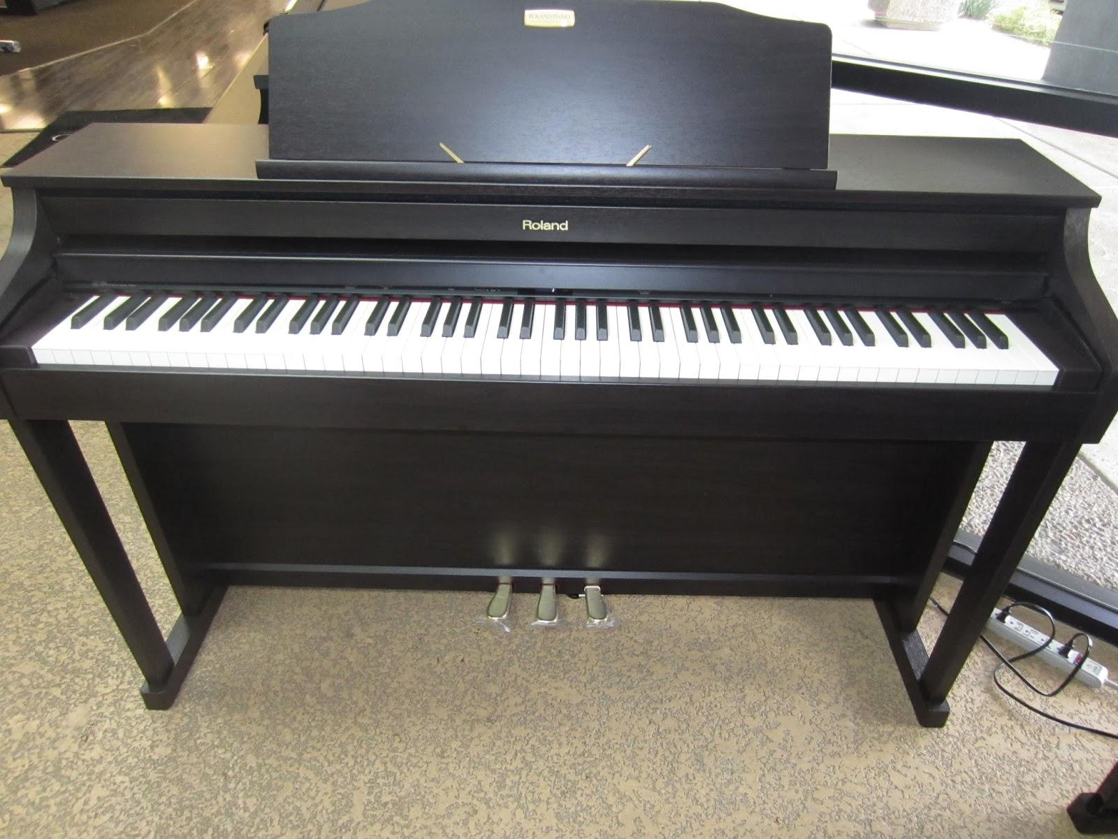 az piano reviews review yamaha cvp601 vs roland hp506 digital piano completely different. Black Bedroom Furniture Sets. Home Design Ideas