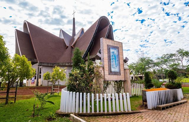 Itaipu prepara Natal de Luz com projeção mapeada na Catedral da Vila