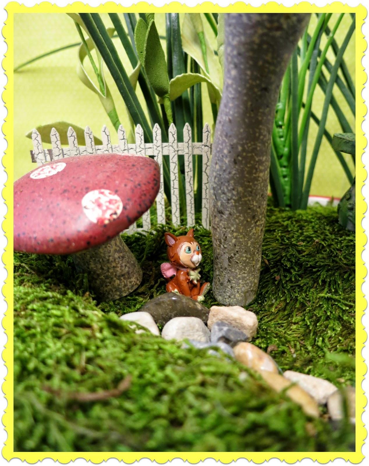 zetta 39 s aprons alice fairy garden very merry un birthday. Black Bedroom Furniture Sets. Home Design Ideas