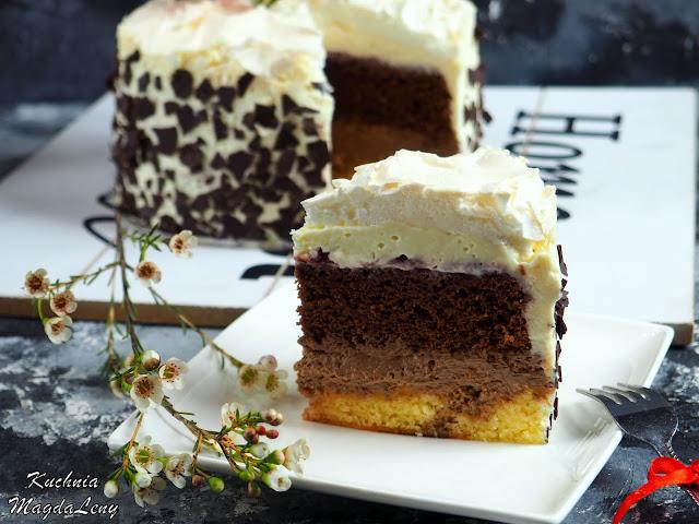 Tort czekoladowy z bezą