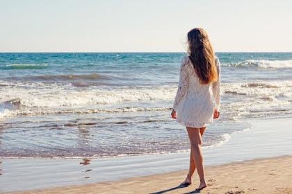 Tidak Harus Ke Gunung, Ini 7 Manfaat Berlibur di Pantai