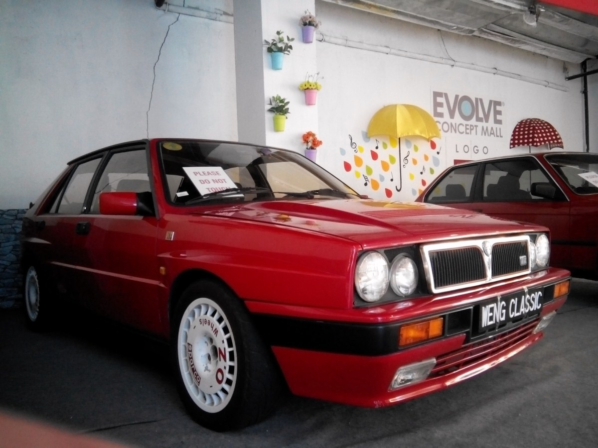 Motoring-Malaysia: Spotted For Sale: 1990 (Most Likely) Lancia Delta ...