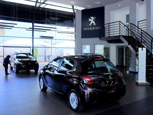 Peugeot inaugura nova concessionária Mobile em Goiânia