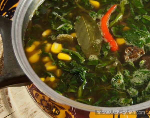 tamarindesuppe sayur asem indonesisch kochen