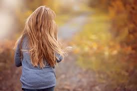 https://www.compartiendobellezaymas.es/2011/09/reducir-la-caida-del-cabello-en-otono.html