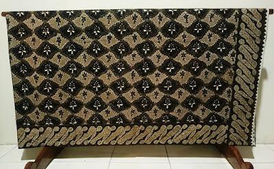 Harga batik sangat bervariasi dan berkualitas di batikdlidir