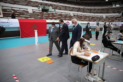 أمزازي في زيارة تفقدية أجواء اجتياز امتحانات نيل شهادة البكالوريا بالقاعة المغطاة التابعة لمركب محمد الخامس بادار البيضاء