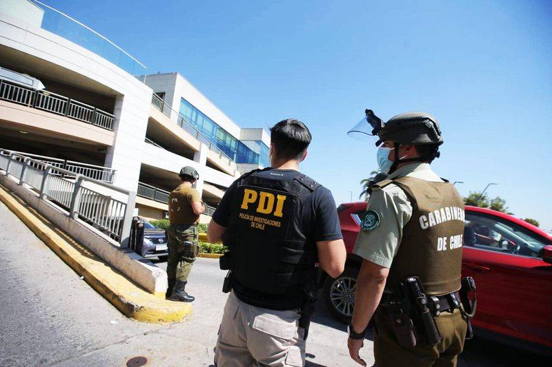 Ocho momentos del frustrado asalto a joyería en mall Alto Las Condes