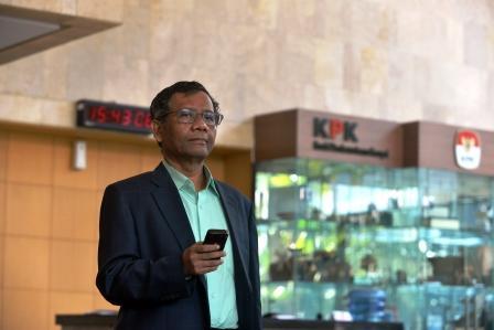 Mahfud MD, Soal Perppu KPK, Presiden Dilematis, Rakyat Harus Maklumi