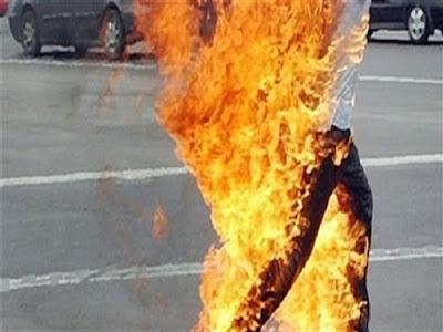 شاب يشعل النار في نفسه, الفيوم, محاولة انتحار,