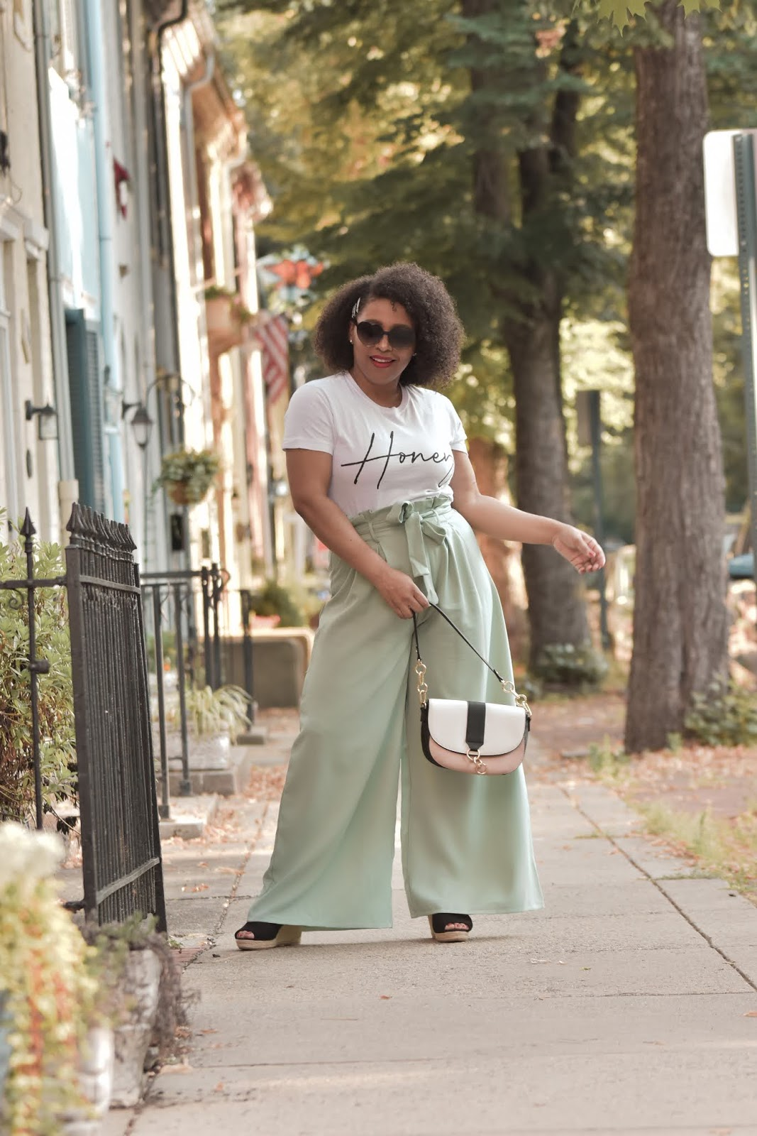 femme luxe, luxe gal, femme luxe reviews, summer outfit ideas, how to style a graphic tee, stylish mom outfits, how to style natural curly hair, pattys kloset