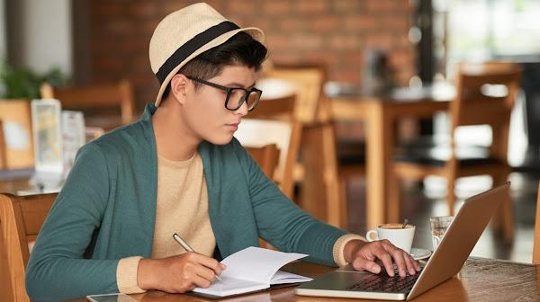 100+ façons réelles et honnêtes pour gagner de l'argent à l'université