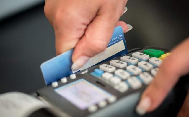 """إيطاليا ستعطي  مكافآة لكل من يدفع بواسطة البطاقات الإلكترونية وليس نقدا من أجل محاربة """"النيرو"""" والتهرب الضريبي"""