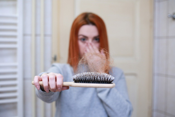 hair on brush