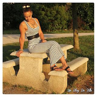 http://unblogdefille.blogspot.fr/2016/07/look-robe-mariniere-decontractee.html