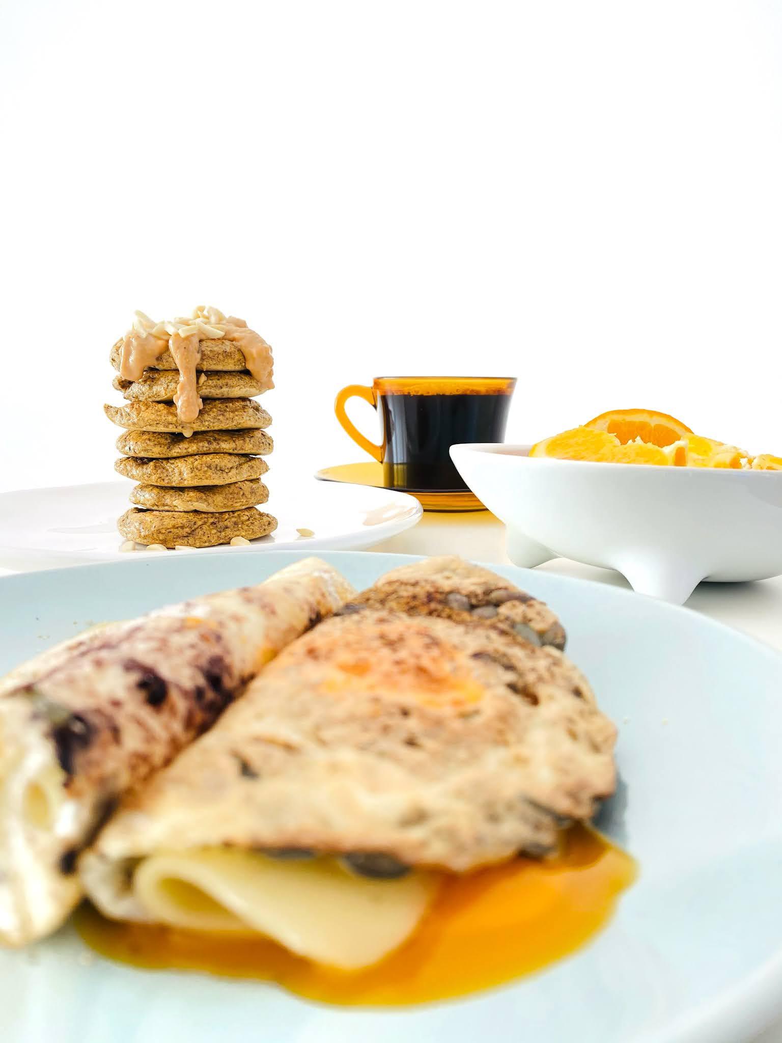 Panquecas e ovo crocante