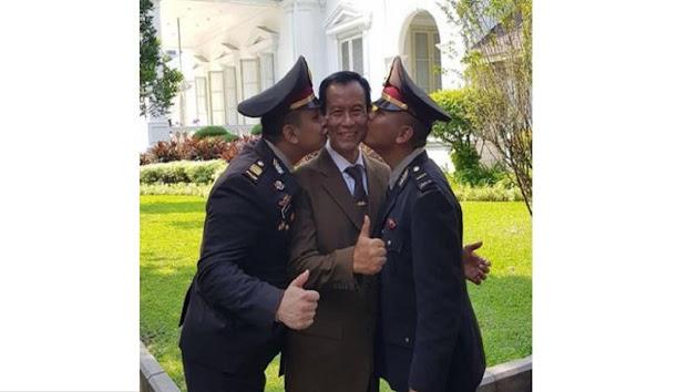 Potret Eks Kapolri jadi 'Tukang Becak', Tetap Gagah & Penumpangnya Gemesin, Inilah Jenderal Polisi (Purn) Sutarman yang Merupakan Kepala Kepolisian Republik Indonesia (Kapolri) Periode 2013-2015