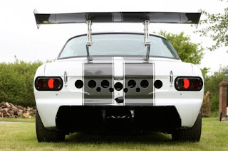Escort-RSR-with-a-Radical-2.8-L-V8-11-620x413