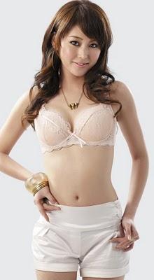 Japanese girl fucked 2 1