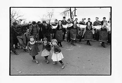 http://constantinemanos.com/a-greek-portfolio-nonbook-prints-1962-63/