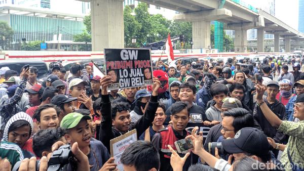 Tiba di Kemenkum HAM, Massa 221 Priok Bersatu Tuntut Yasonna Minta Maaf