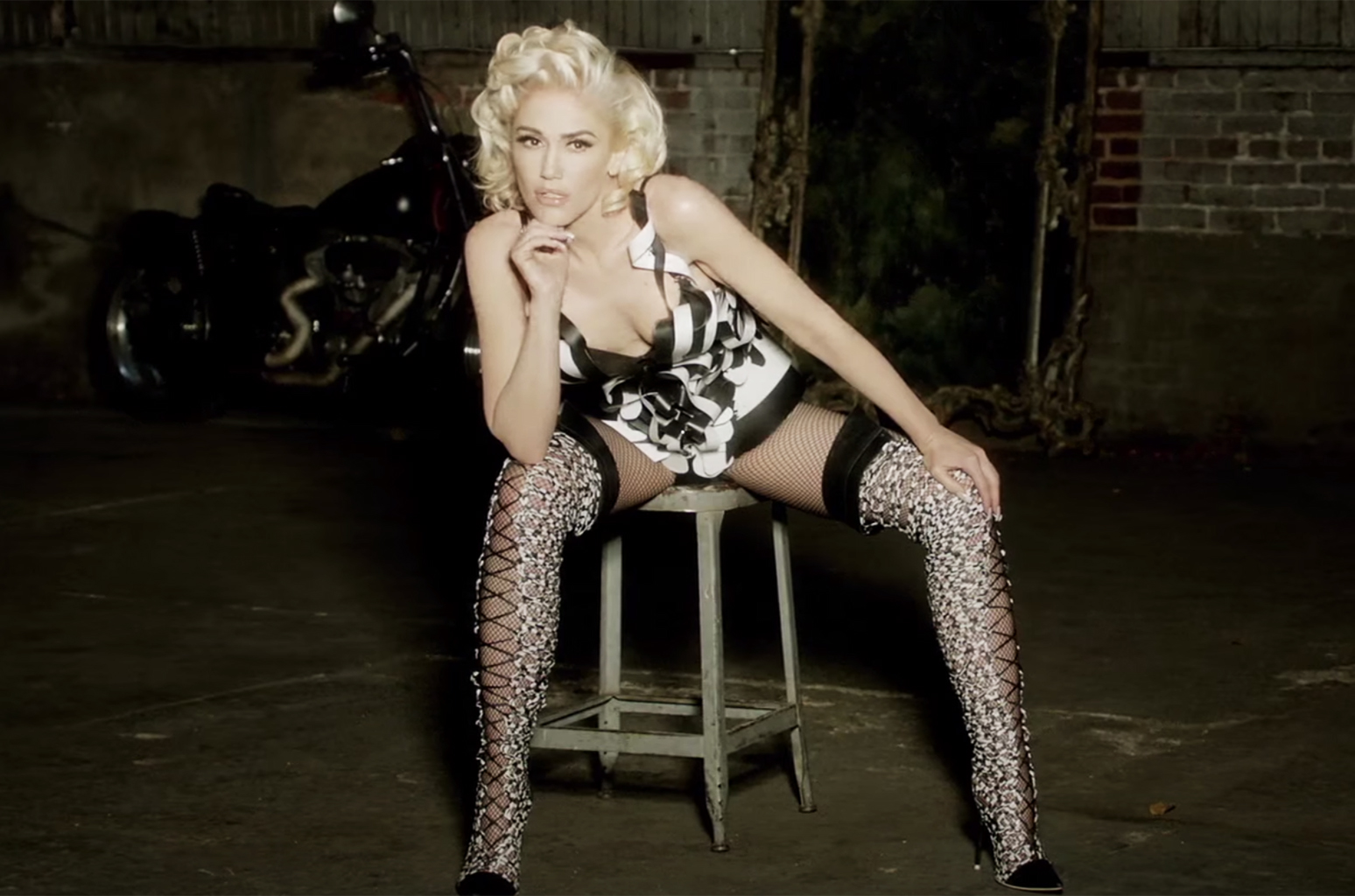 Gwen stefani hot photo gallery