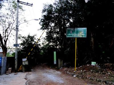 Portão de boas-vindas ao Campo Escola Jaraguá dos escoteiros