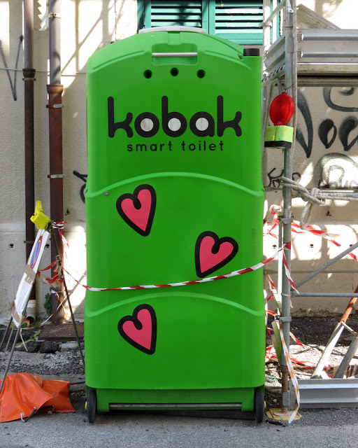Smart Toilet, Via Cantini, Livorno