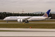 United Boeing 787-10 Dreamliner Returns To Amsterdam After Airframe Vibrations