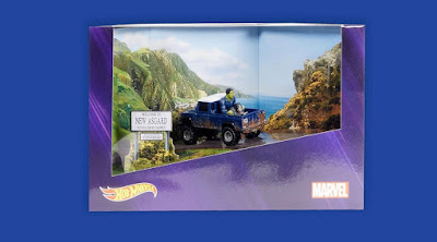 San Diego Comic-Con 2020 Exclusive Avengers: Endgame Landrover Defender 100 Pickup Truck Hot Wheels with Rocket Raccoon & Hulk by Mattel