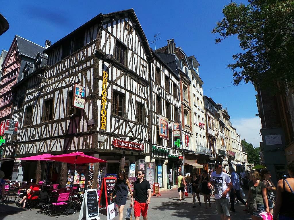 Balade rouen la parisienne du nord for Piscine a rouen