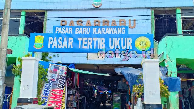 Pasar Rakyat di Jalan Tuparev Pasar Baru Karawang