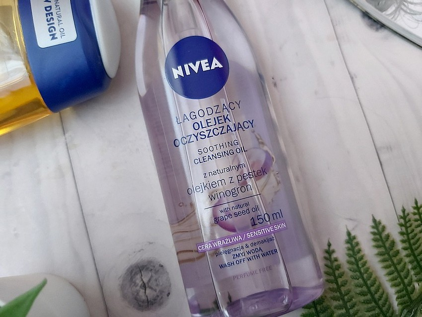 Nivea cleansing oil with natural grape seed oil