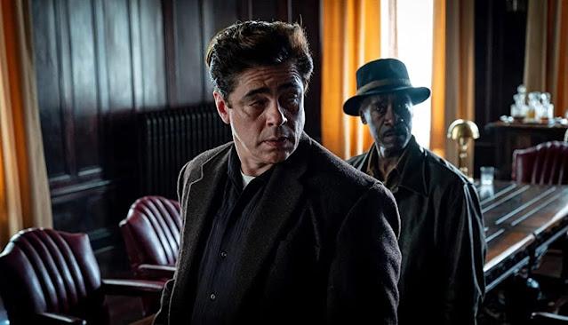 Benicio del Toro y Don Cheadle. Fotograma cortesía de HBO Max.