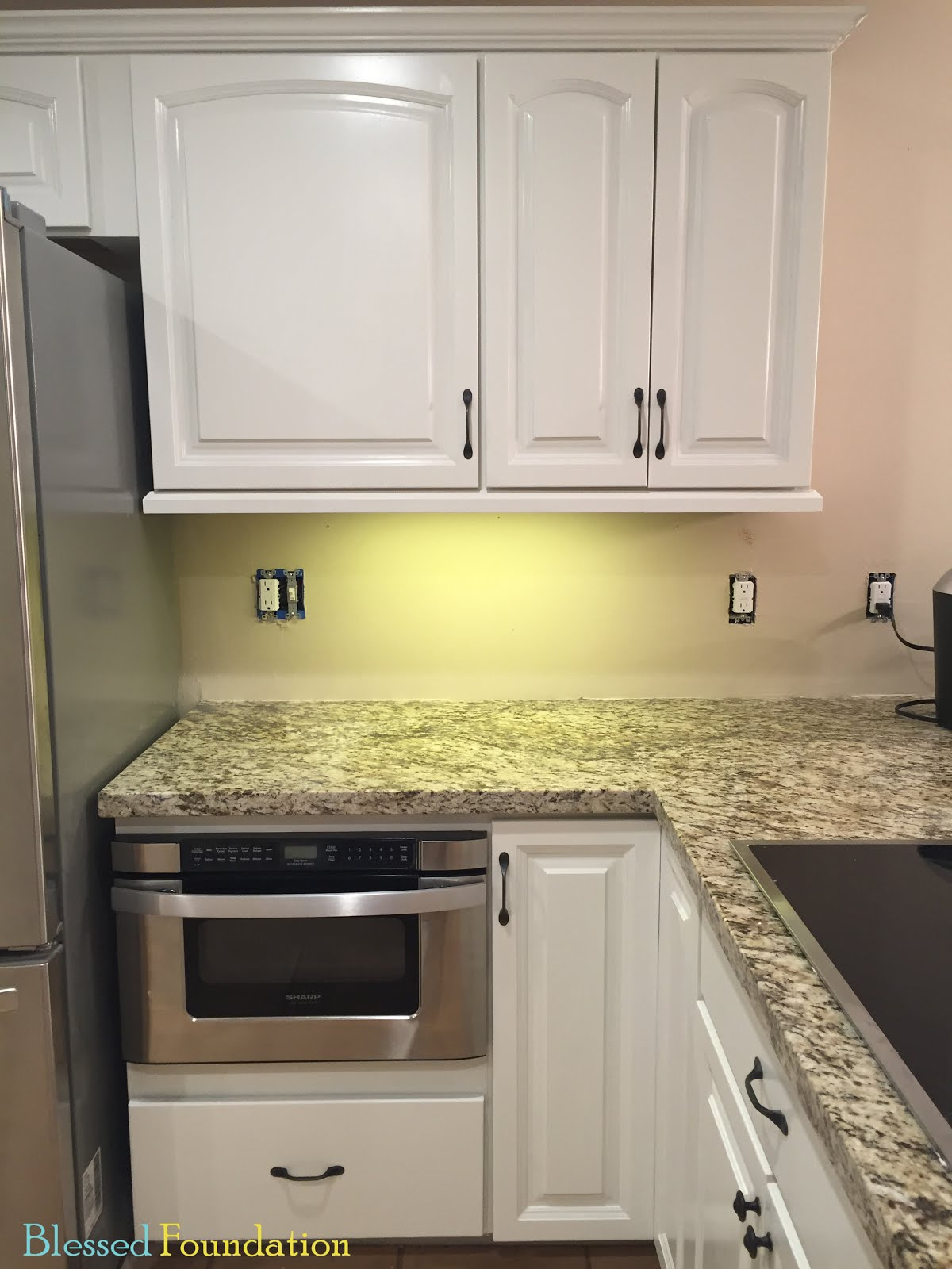 Blessed Foundation Post 40 Cabinet Undermount Lighting