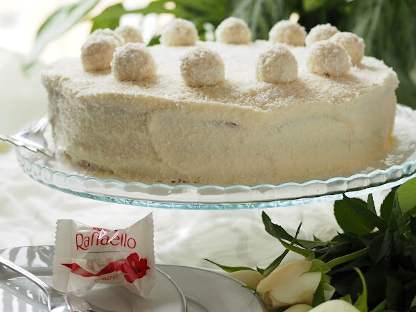 Raffaello-kakku on kookoksenystävän unelma
