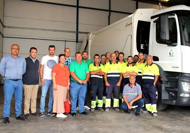 Fuerteventura.- Alcalde y concejales  de Antigua se presentan a la plantilla de Urbaser