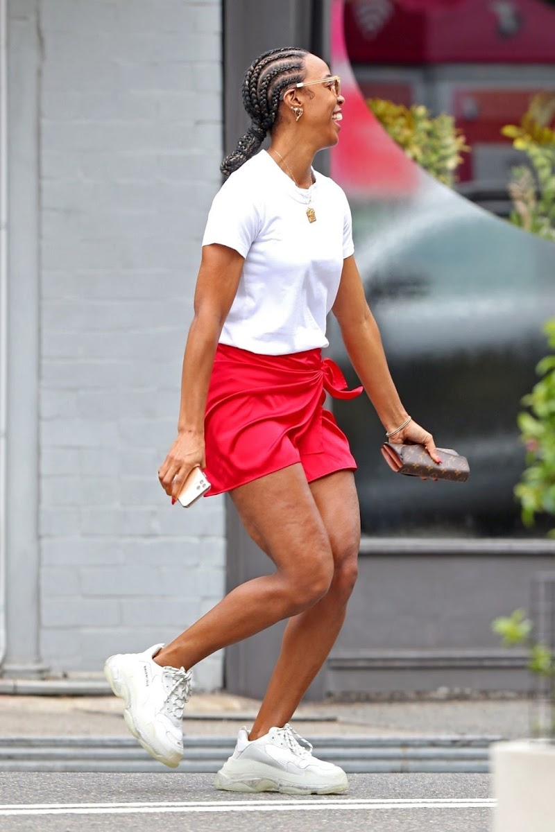 Kelly Rowland Clicked Outside While Shopping in Sydney 26 Feb-2020